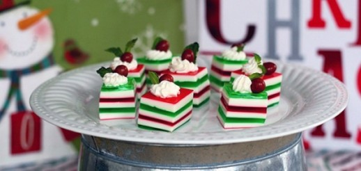 oubly-christmas-dessert-Holly-Jelly-Shots-dessert-e1449515195981